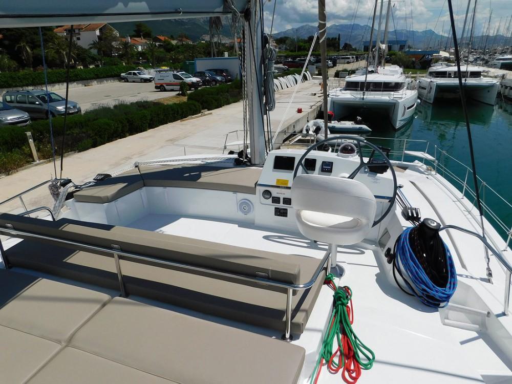 Noleggio barche Catana Bali 4.3 - 4 + 2 cab.  su Samboat