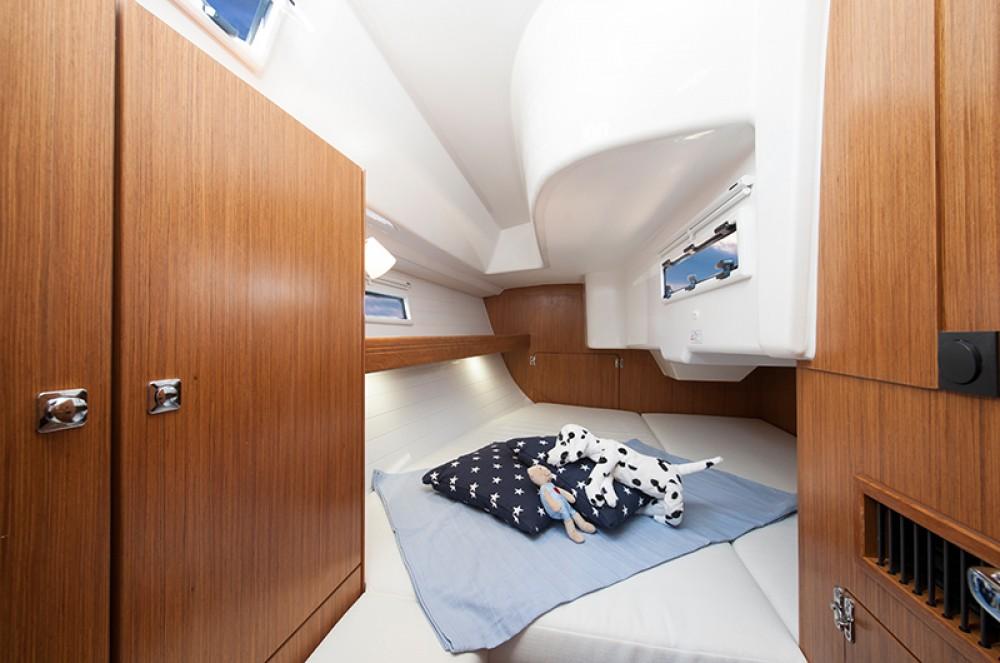 Noleggio yacht Leucade - Bavaria Cruiser 33 su SamBoat