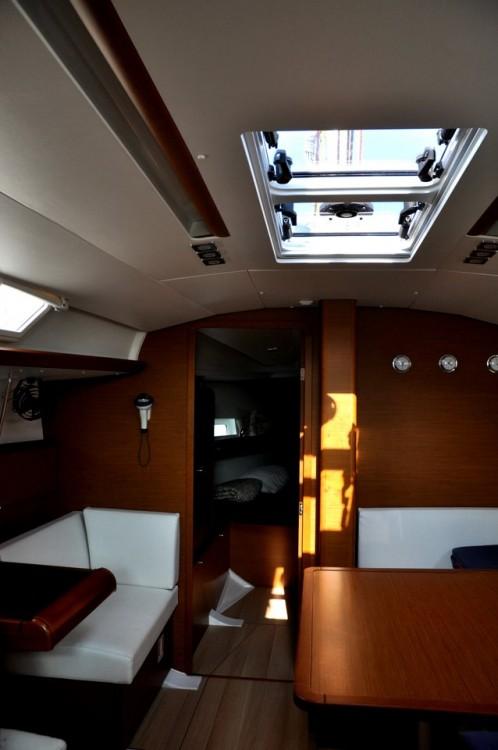 Noleggiare un'Jeanneau Sun Odyssey 419 Campania