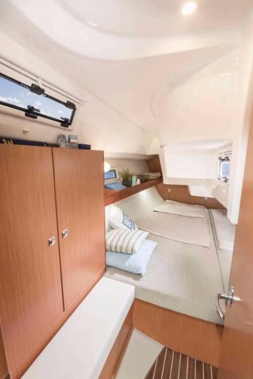 Noleggiare un'Bavaria Cruiser 34 Follonica
