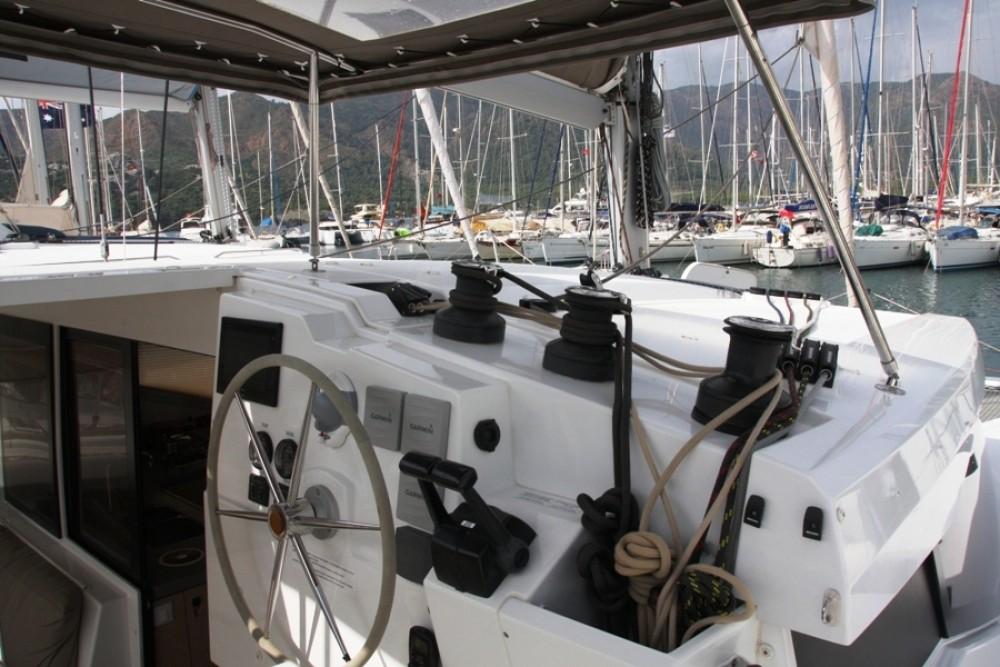 Noleggio barche Fountaine Pajot Lucia 40 Marmaris Yacht Marina A.Ş su Samboat