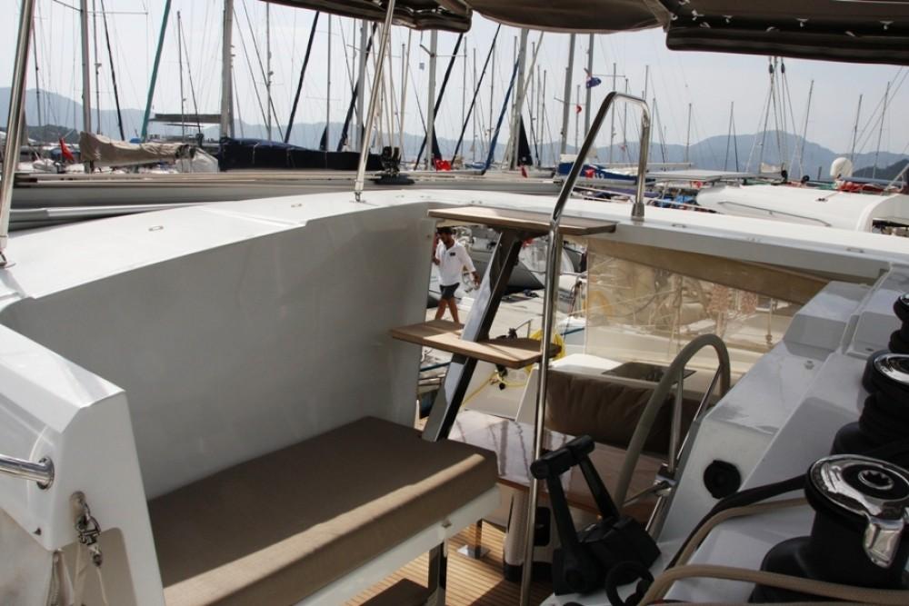 Noleggiare un'Fountaine Pajot Lucia 40 Marmaris Yacht Marina A.Ş