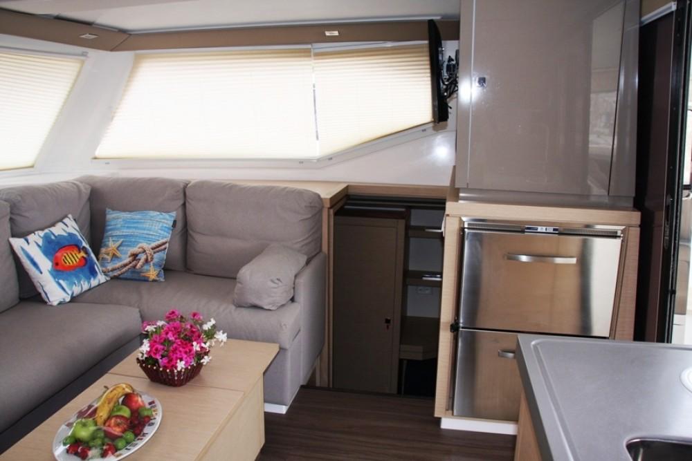 Fountaine Pajot Lucia 40 tra personale e professionale Marmaris Yacht Marina A.Ş