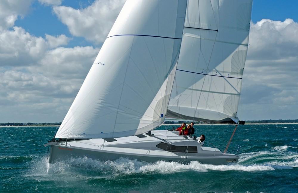 Noleggio barche Roses economico Pogo 36