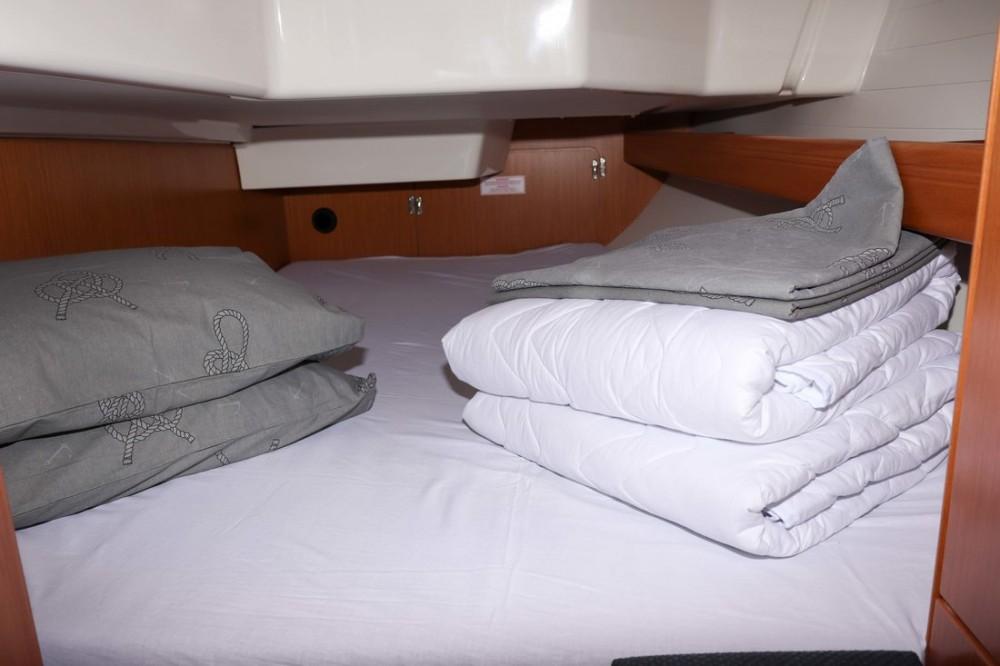 Noleggio barche Croazia economico Cruiser 34