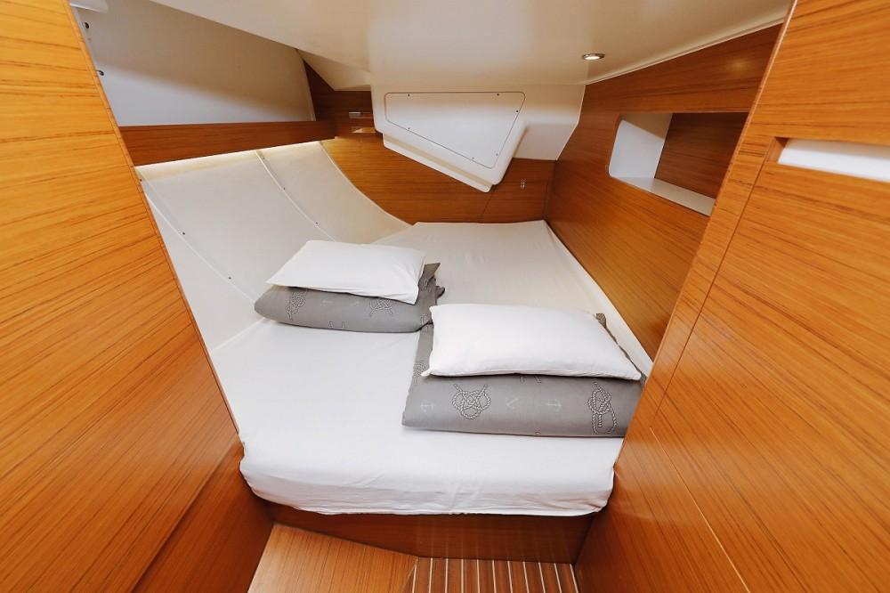 Noleggio Barca a vela con o senza skipper Elan Pirovac