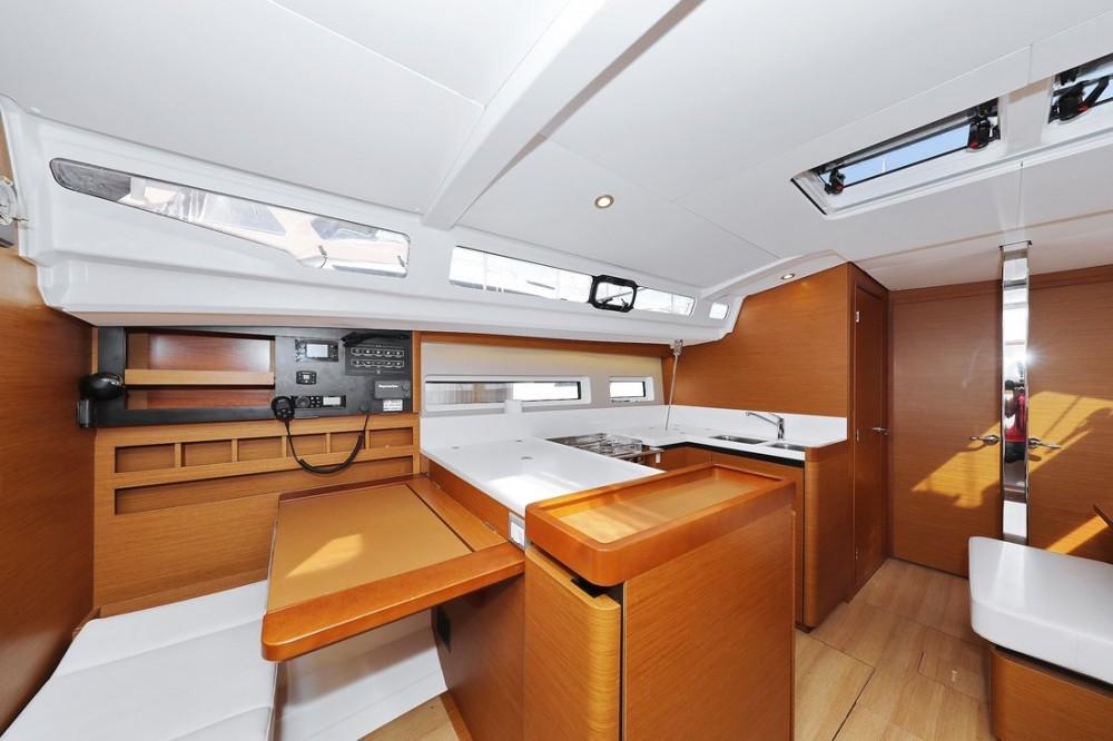 Noleggiare un'Jeanneau Sun Odyssey 440 Croazia