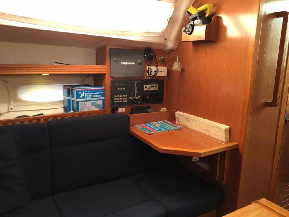 Noleggio yacht Pola - Bavaria Cruiser 34 su SamBoat
