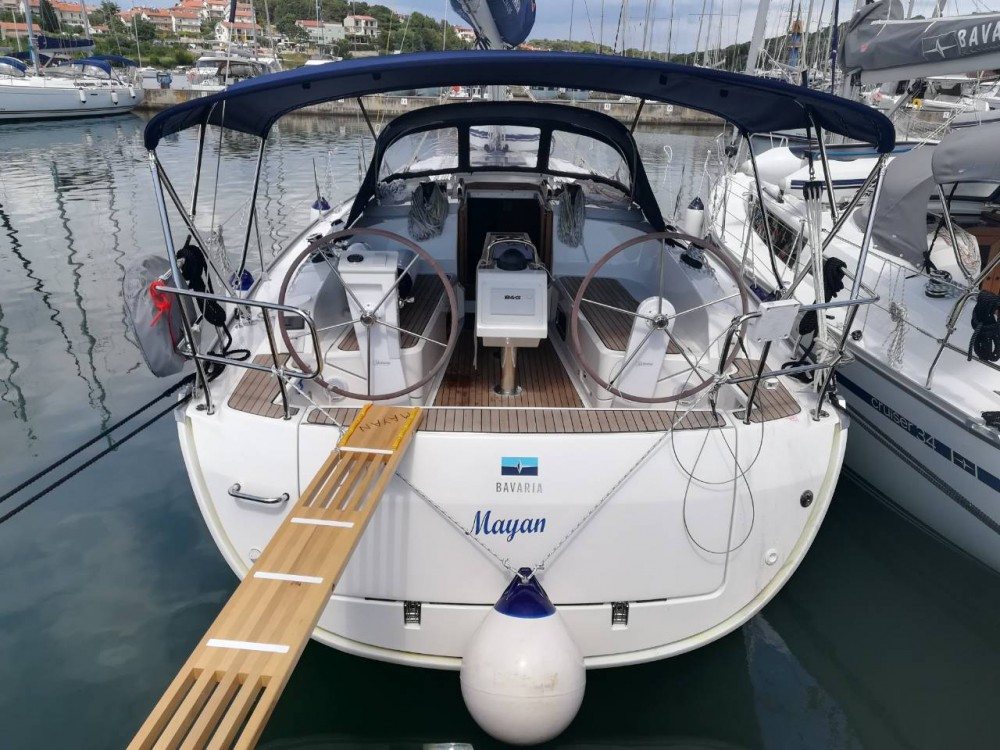 Noleggio barche Bavaria Cruiser 37 Pola su Samboat