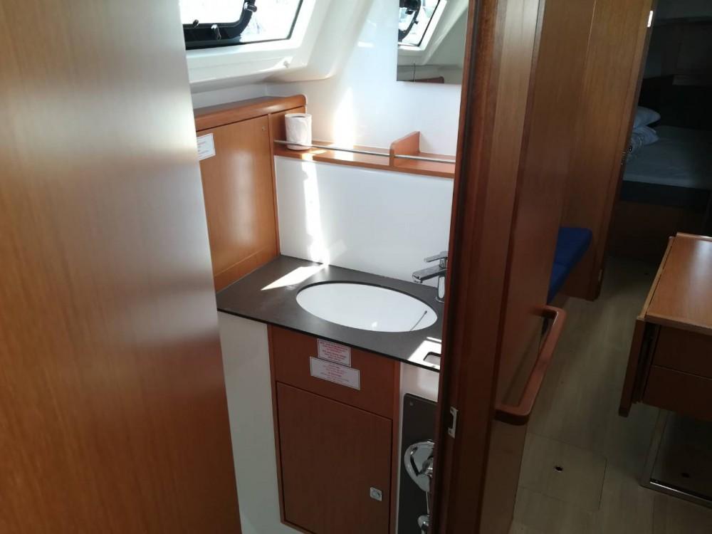 Noleggiare un'Bavaria Cruiser 37 Pola
