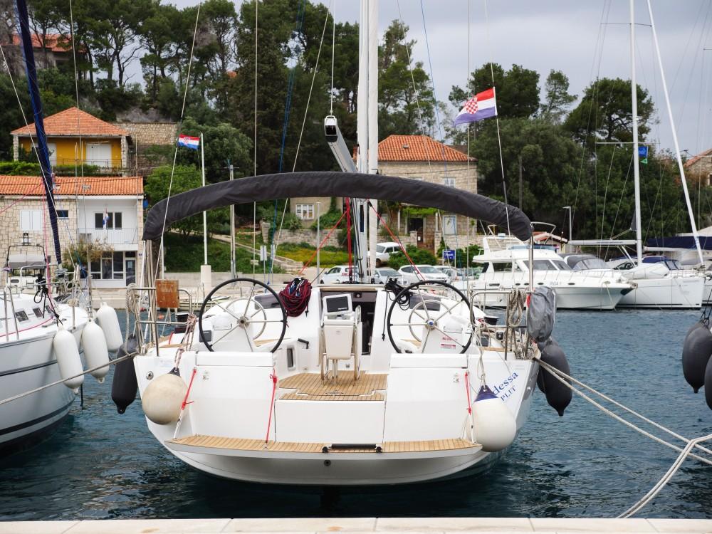 Barca a vela a noleggio Rogač al miglior prezzo