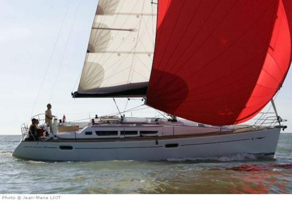 Jeanneau Sun Odyssey 42i tra personale e professionale Peloponneso