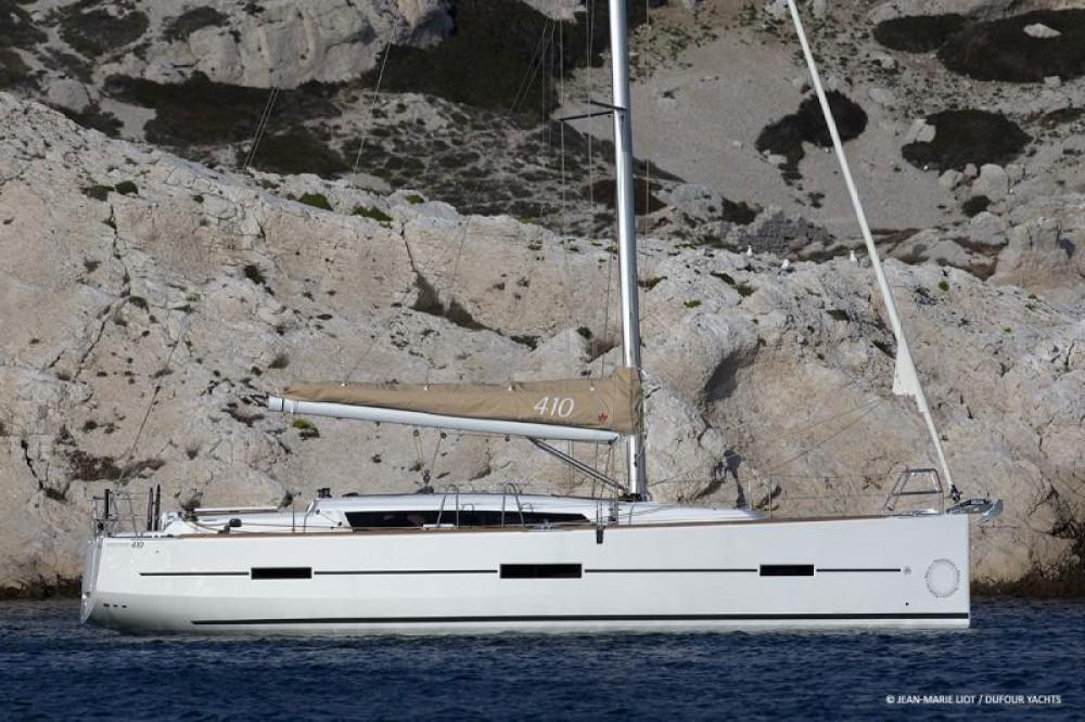 Noleggiare un'Dufour Dufour 410 Grand Large Malta