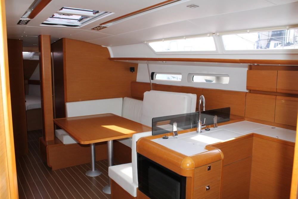 Noleggio barche Jeanneau Sun Odyssey 439  su Samboat