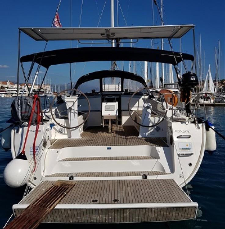 Noleggio Barca a vela con o senza skipper Bavaria Traù