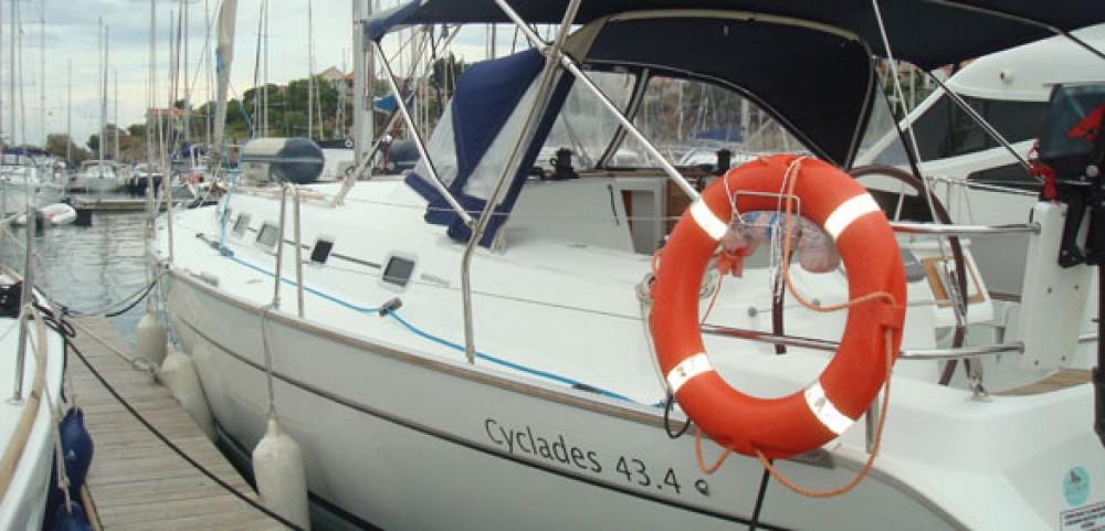 Barca a vela a noleggio La Rochelle al miglior prezzo