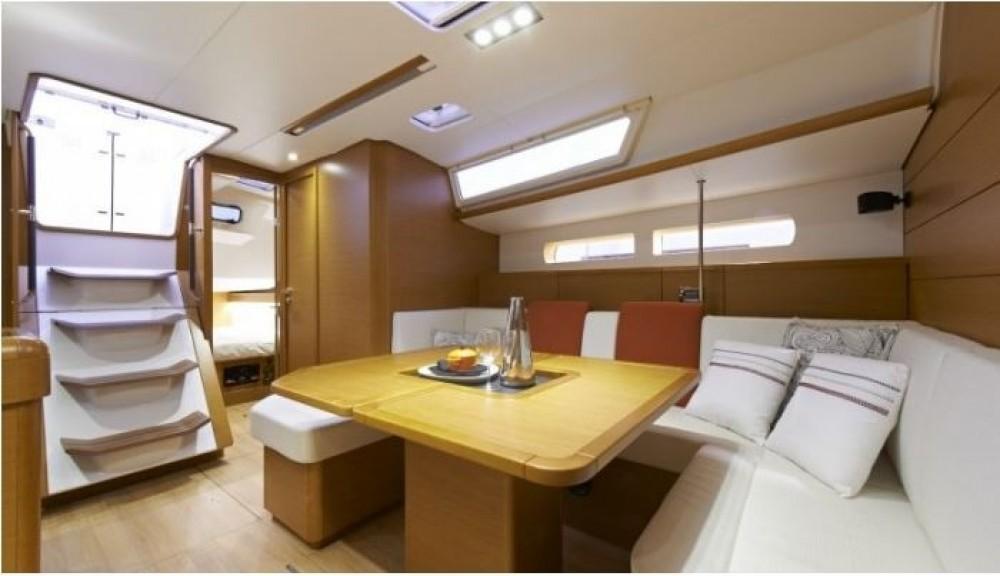 Jeanneau Sun Odyssey 469 tra personale e professionale Palma