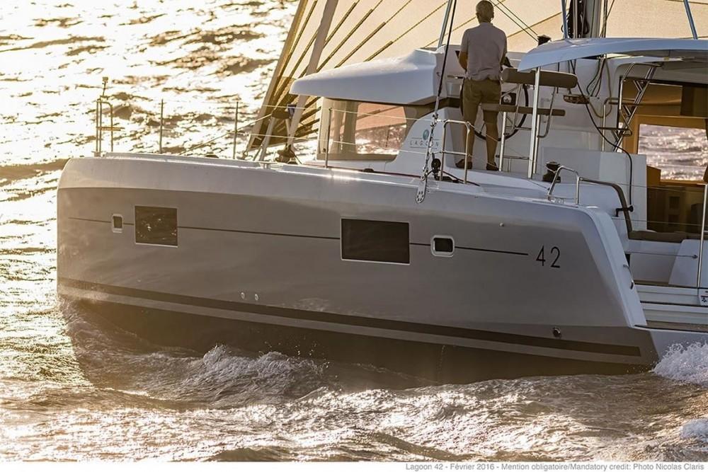 Catamarano a noleggio Tortola al miglior prezzo