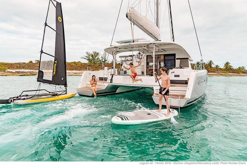 Noleggio barche Tortola economico Lagoon 42