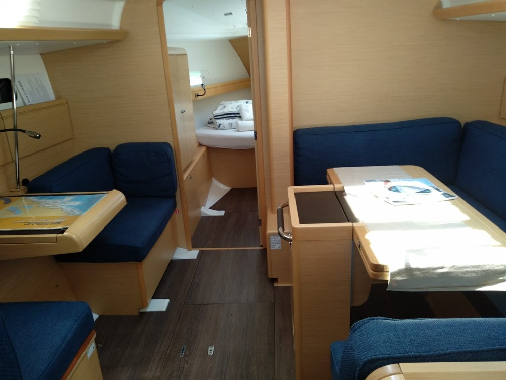 Noleggio Barca a vela con o senza skipper Jeanneau