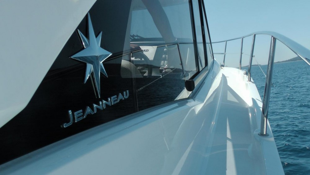Noleggio yacht  - Jeanneau Leader 36 Open su SamBoat