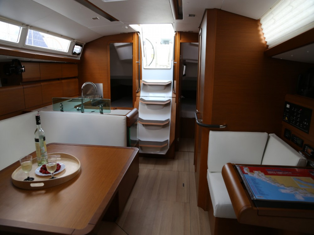 Noleggio barche Jeanneau Sun Odyssey 419  su Samboat