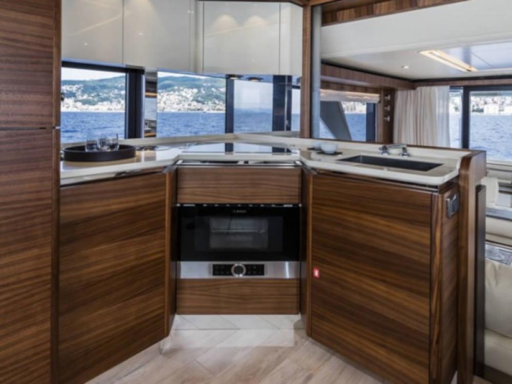 Noleggio Barca a motore con o senza skipper Absolute Rogosnizza