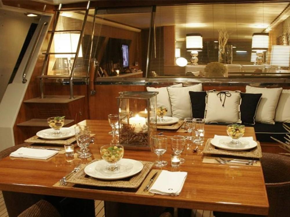 Noleggio Yacht con o senza skipper Cantieri Marina di Portisco