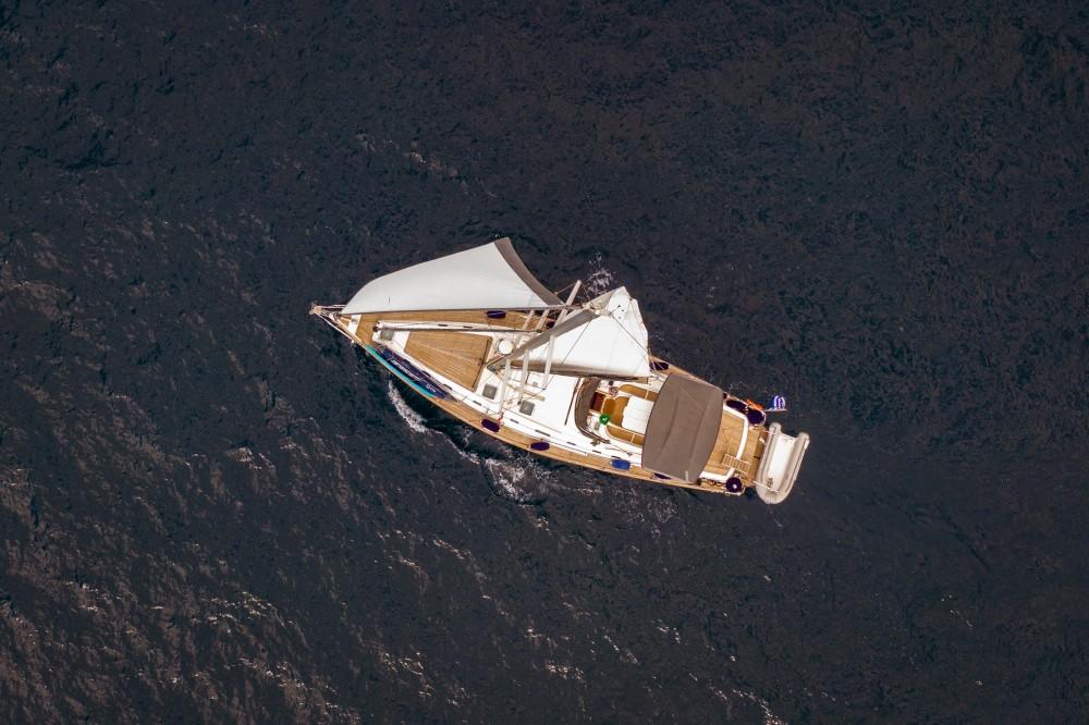 Ocean Ocean Star 60.1 tra personale e professionale Porto di Alimos