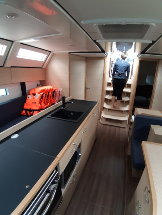 Noleggio Barca a vela con o senza skipper D&d Traù