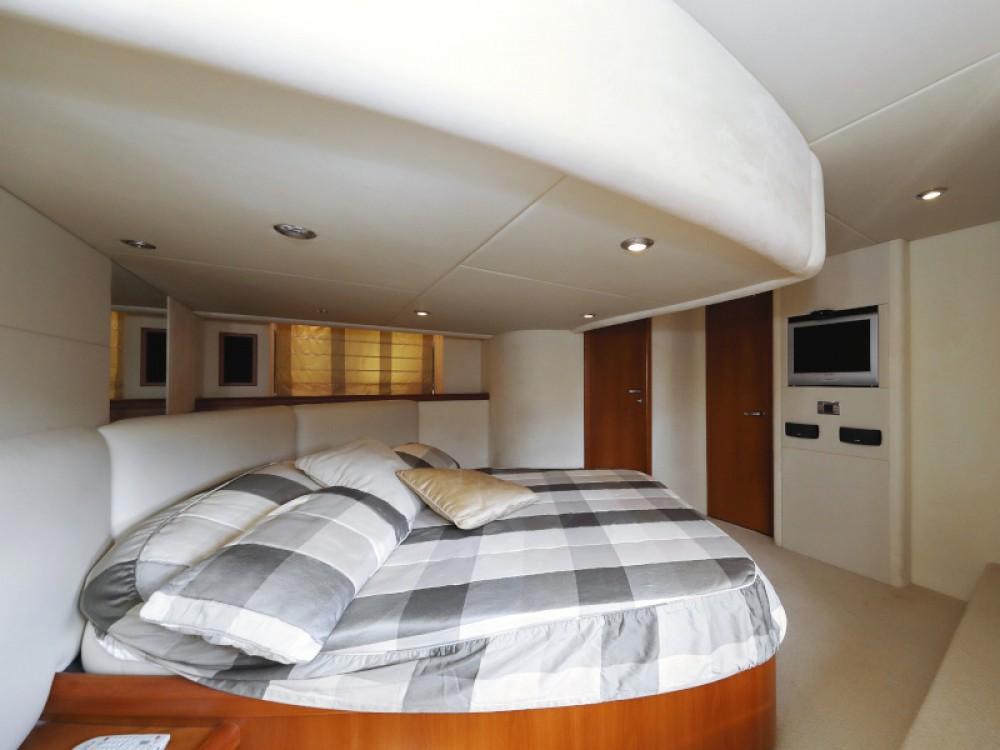 Noleggio Barca a motore Sunseeker con una patente