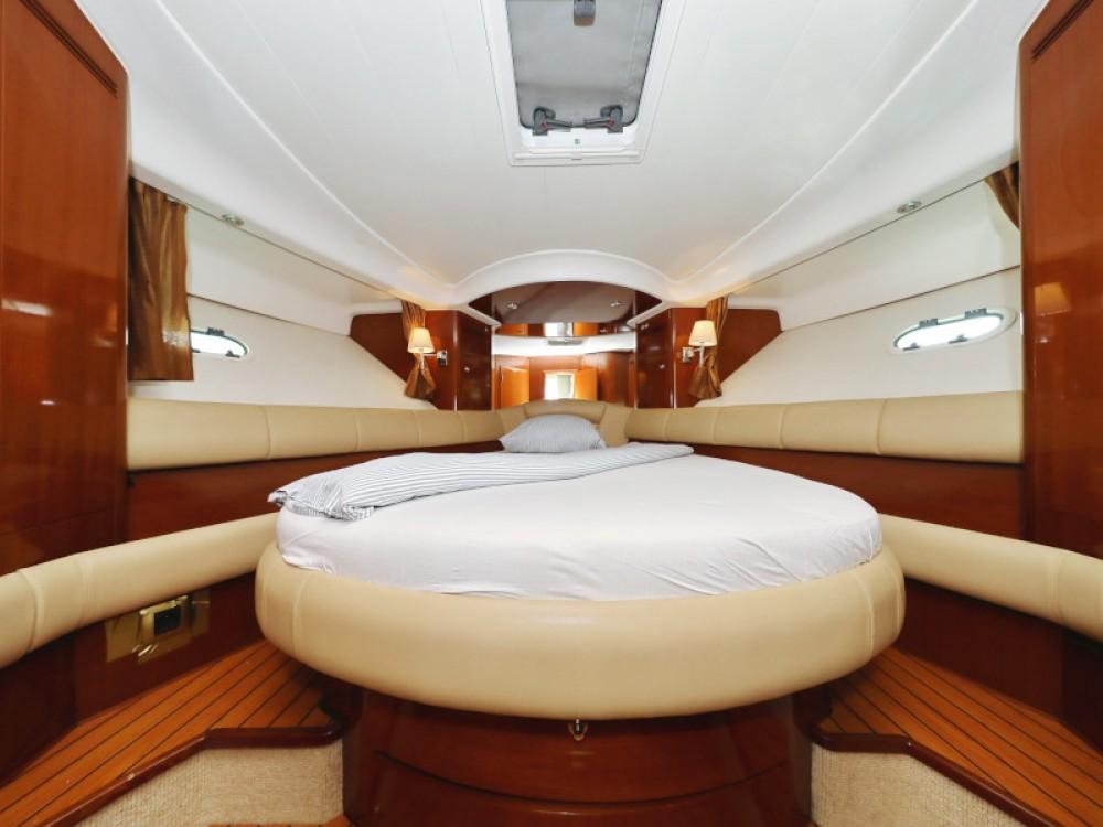 Noleggiare un'Jeanneau Jeanneau Prestige 46 Fly Sukošan