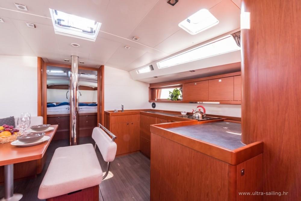 Noleggio yacht  - Bénéteau Oceanis 48 su SamBoat
