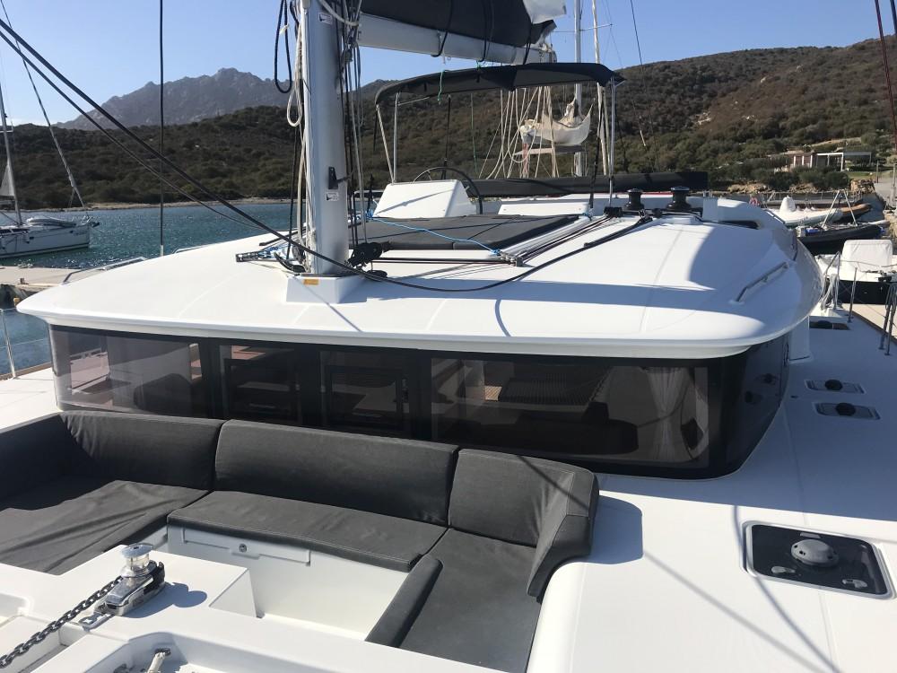 Noleggio yacht Cala dei Sardi - Lagoon Lagoon 450F su SamBoat