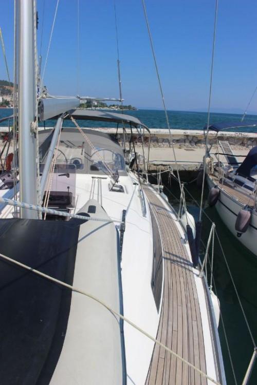 Bavaria Cruiser 41 tra personale e professionale Volos