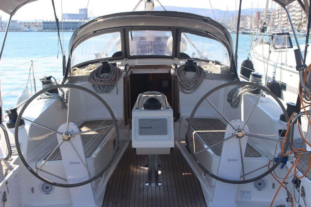 Barca a vela a noleggio Volos al miglior prezzo