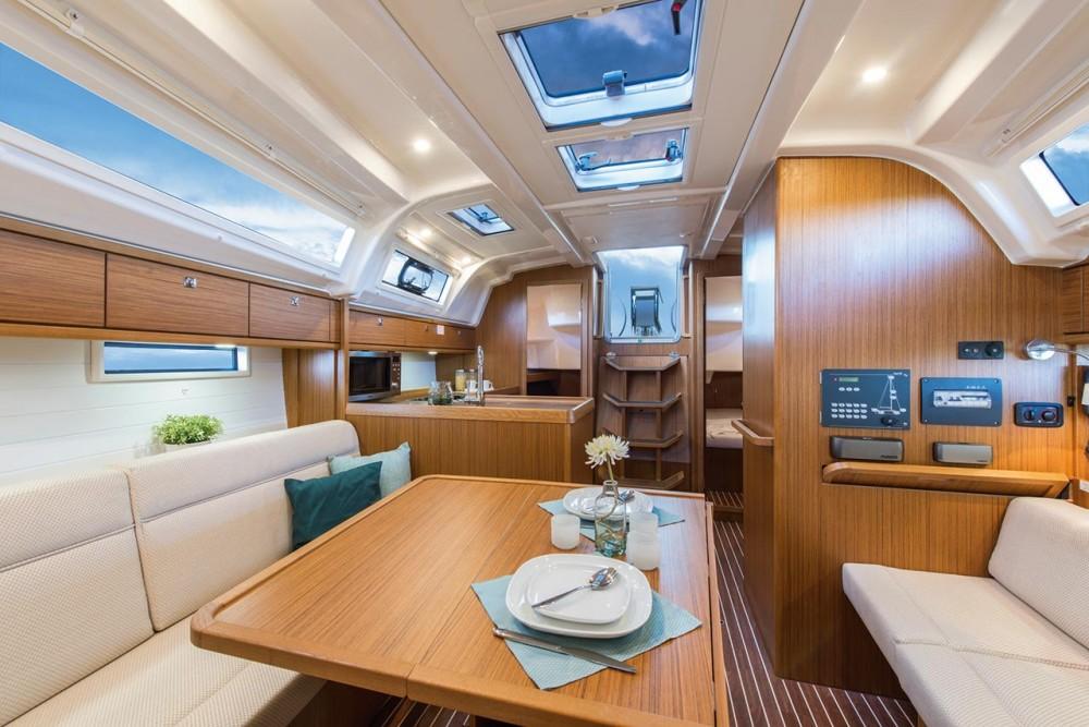 Noleggiare un'Bavaria Cruiser 37