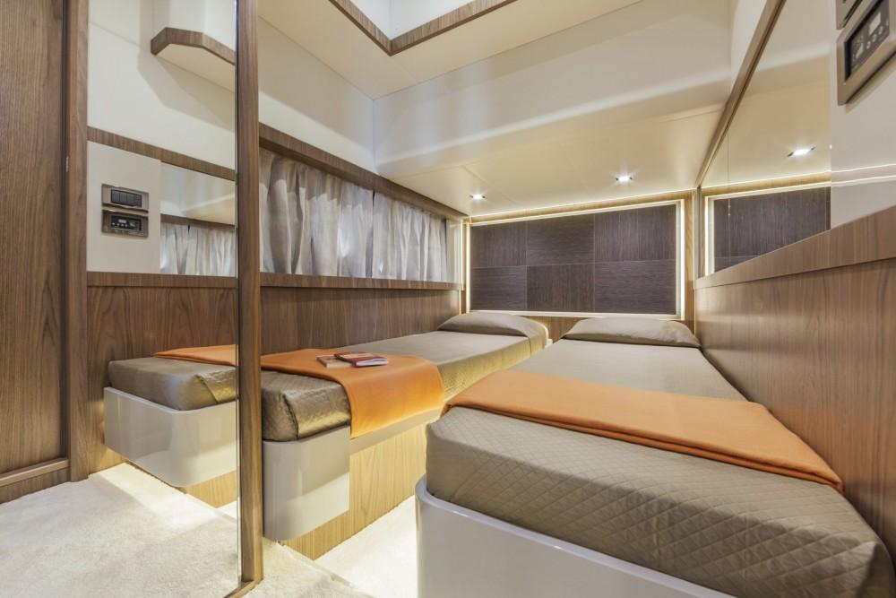 Noleggio yacht Barcellona - Absolute Absolute 52 FLY su SamBoat