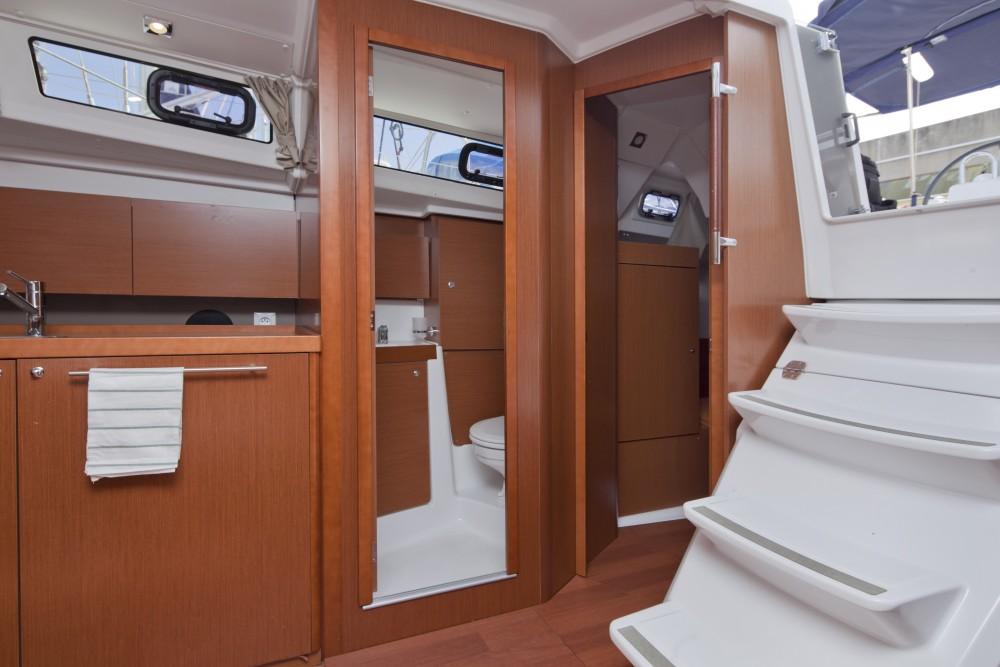 Noleggio barche Port Olímpic economico Beneteau Oceanis 38
