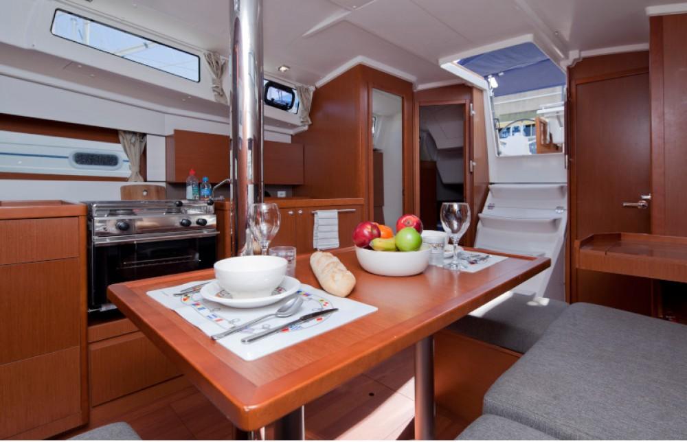 noleggio Barca a vela Port Olímpic - Bénéteau Beneteau Oceanis 38