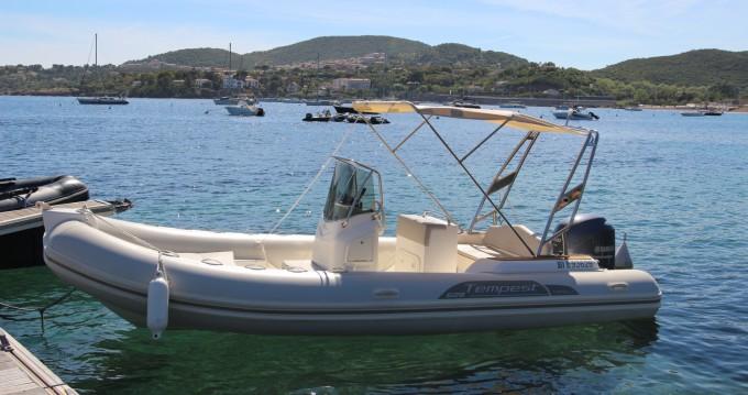 Noleggio Gommone Capelli con patente nautica