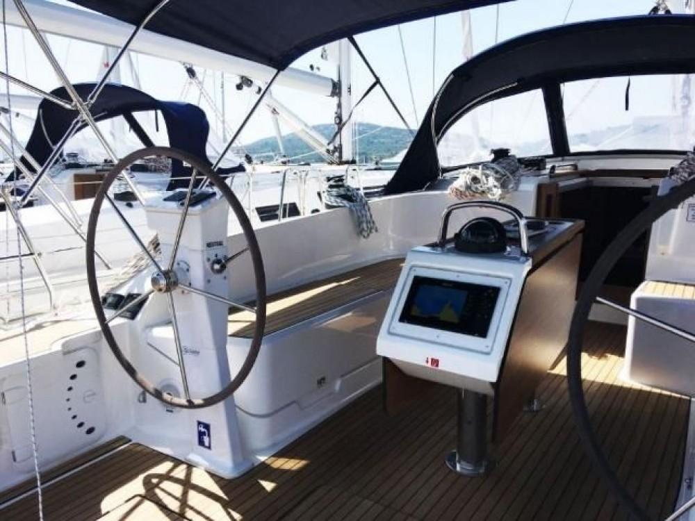 Bavaria Cruiser 46 tra personale e professionale Pirovac