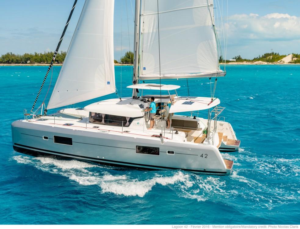 Noleggio barche Sebenico economico Lagoon 42