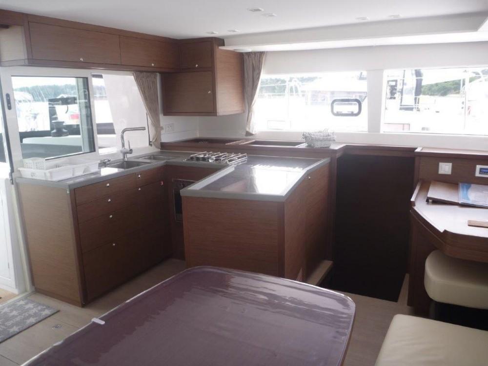 Noleggio barche Sebenico economico Lagoon 450