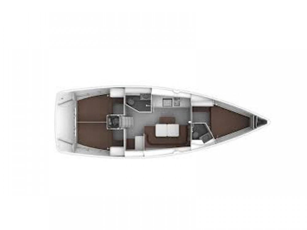 Bavaria Bavaria Cruiser 41 tra personale e professionale Golfo Aranci