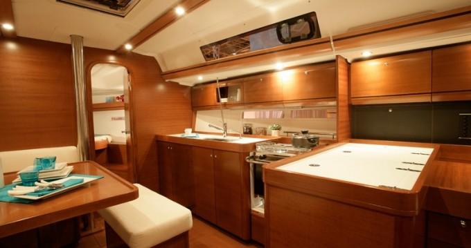 Noleggio Barca a vela a Kaštel Gomilica – Dufour Dufour 405 RM