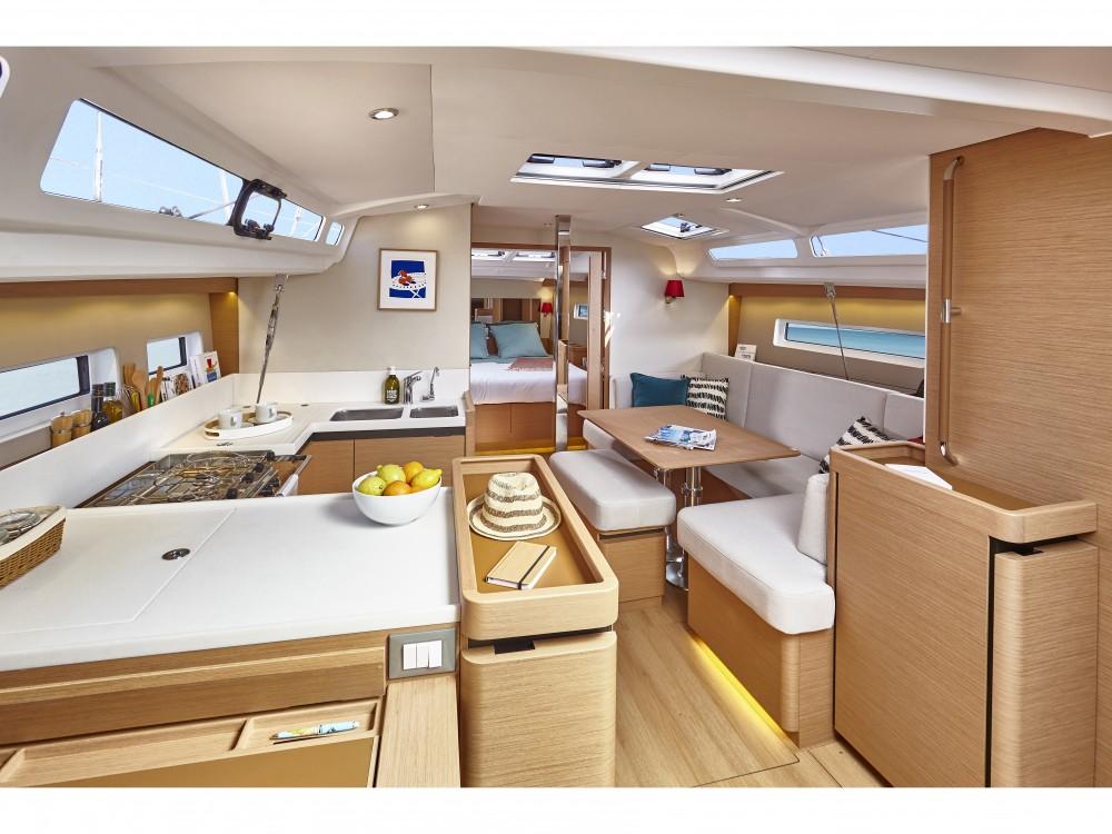 Noleggio barche Jeanneau Sun Odyssey 440/3cab. Pola su Samboat