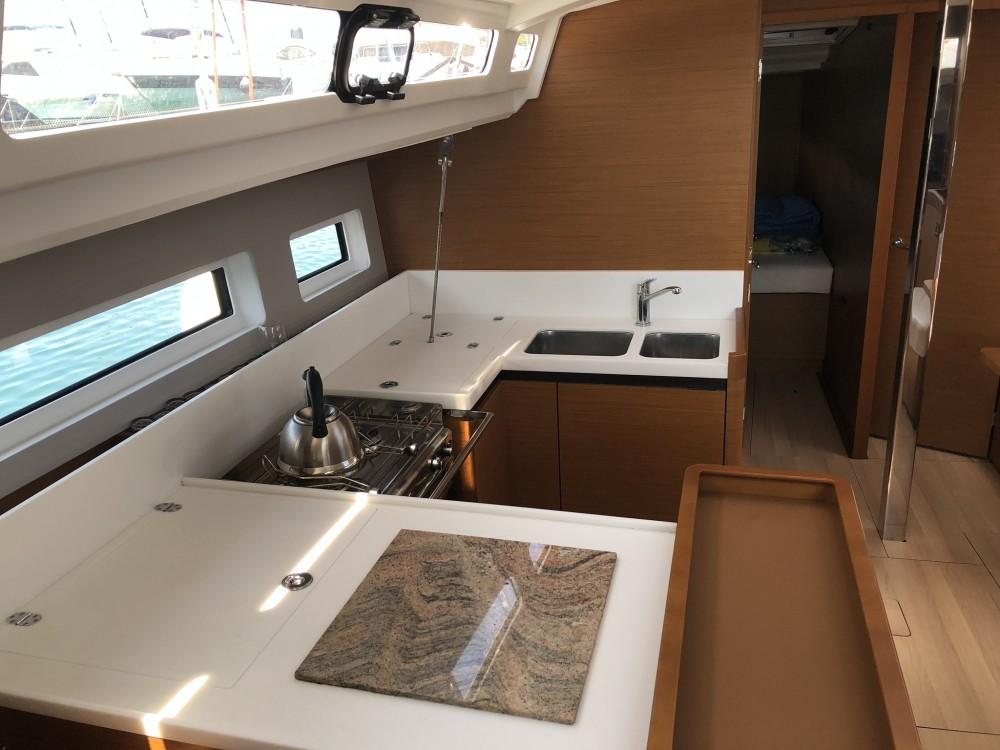 Noleggiare un'Jeanneau Sun Odyssey 440 Peloponnese