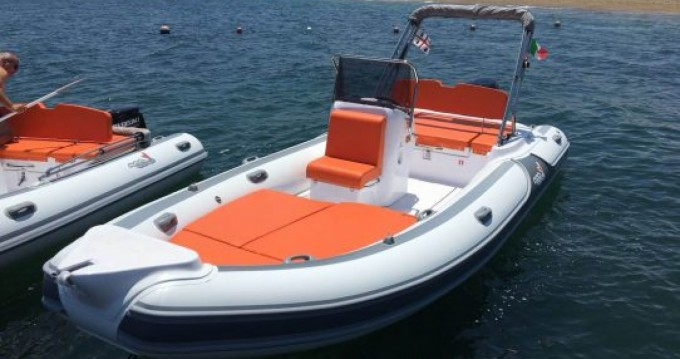 Noleggio Gommone con o senza skipper Motonautica-Vesuviana a Lido del Sole