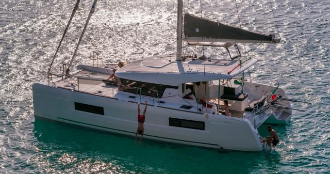 Noleggio Catamarano con o senza skipper Lagoon a Portoferraio